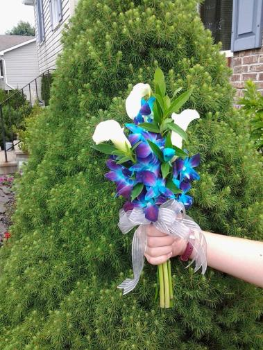 Twisted Vine bridesmaid bouquets