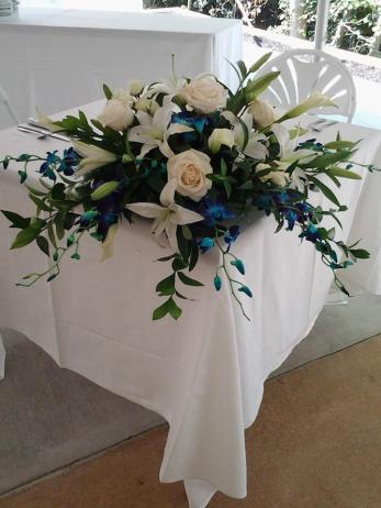Twisted Vine table flowers