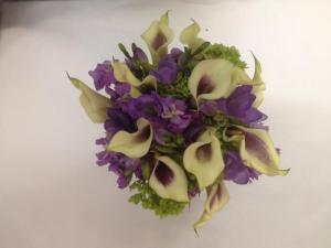 Belak white purple cala lilies