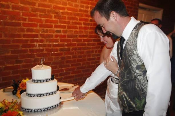 Melony wedding cake