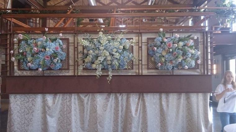 Flower Diva wow wedding wall 2