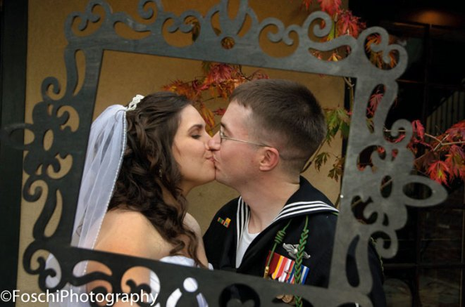 Foschi Sailor and bride kiss