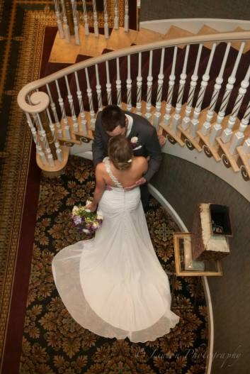 linton mendenall stairs kiss
