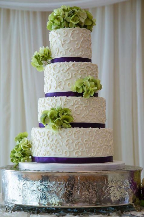 Desserts by Dana white swirls navy and green cake