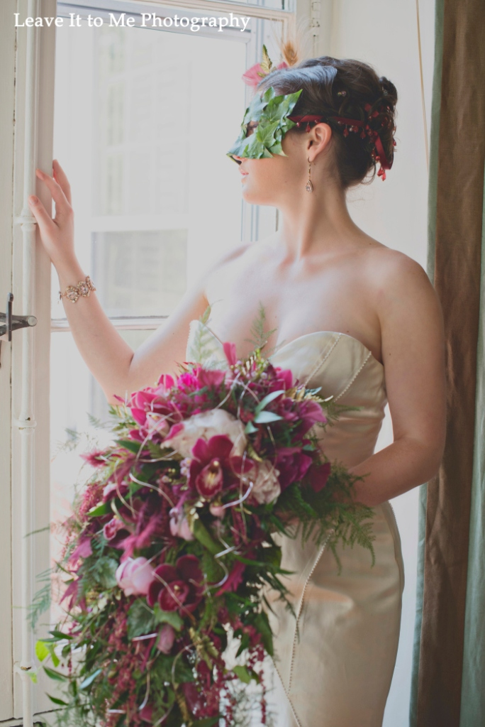 masquerade_bridal-shoot_floral-designs-by-jessi_39