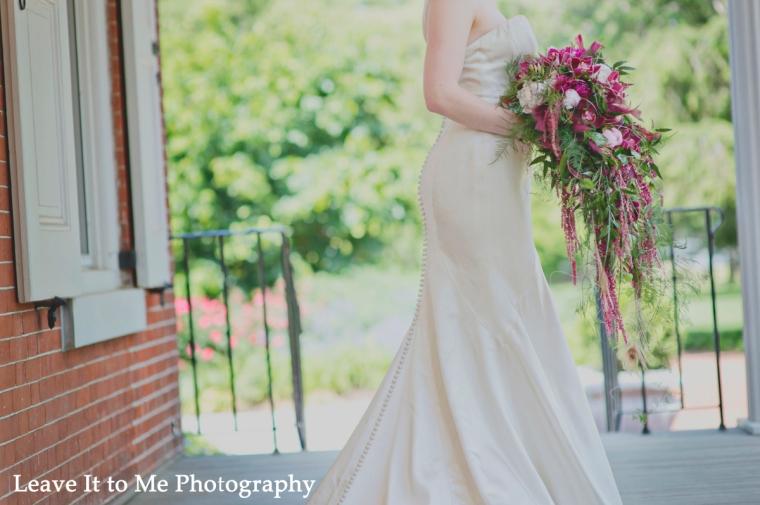masquerade_bridal-shoot_floral-designs-by-jessi_49