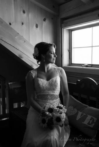 Linton Thousand Acre wedding bw bride stairs