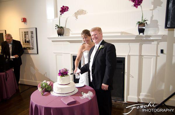 Foschi Hagley wedding cake cut