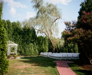 the+farmhouse+wedding+ash+imagery+-1023