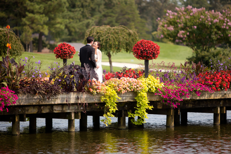 Baywood Greens brideg and flowers wedding photography by Liz and Ryan