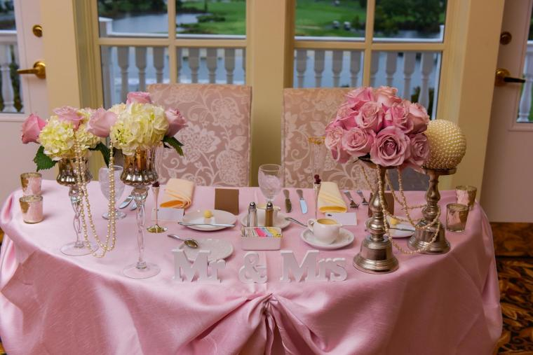 Baywood Greens sweetheart table