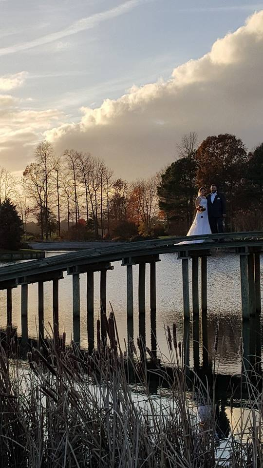 Baywood Greens Winter wedding bridge