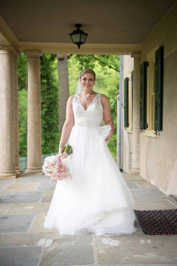 Hagley Fantail bride on porch