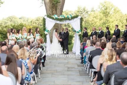 Blueprint Radner Valley altar bride groom