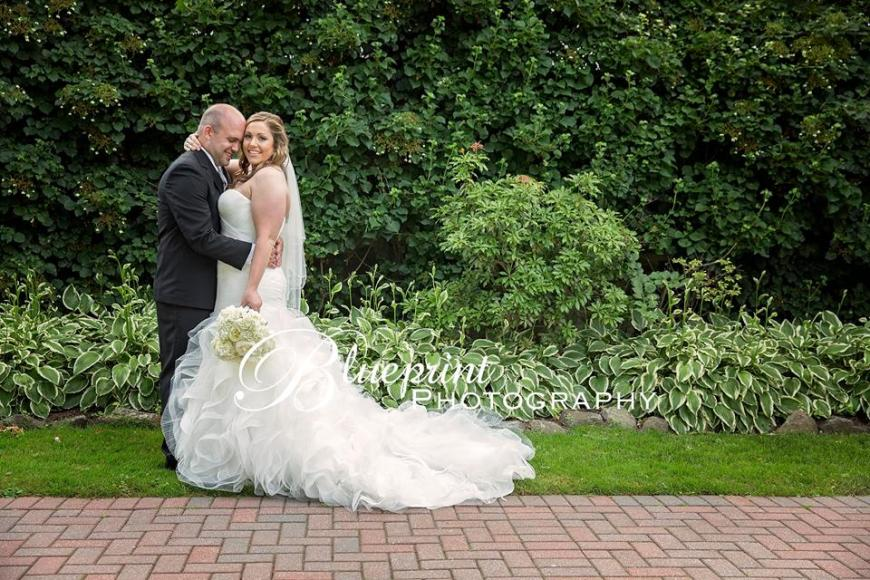 Blueprint Radner Valley bride groom greenery