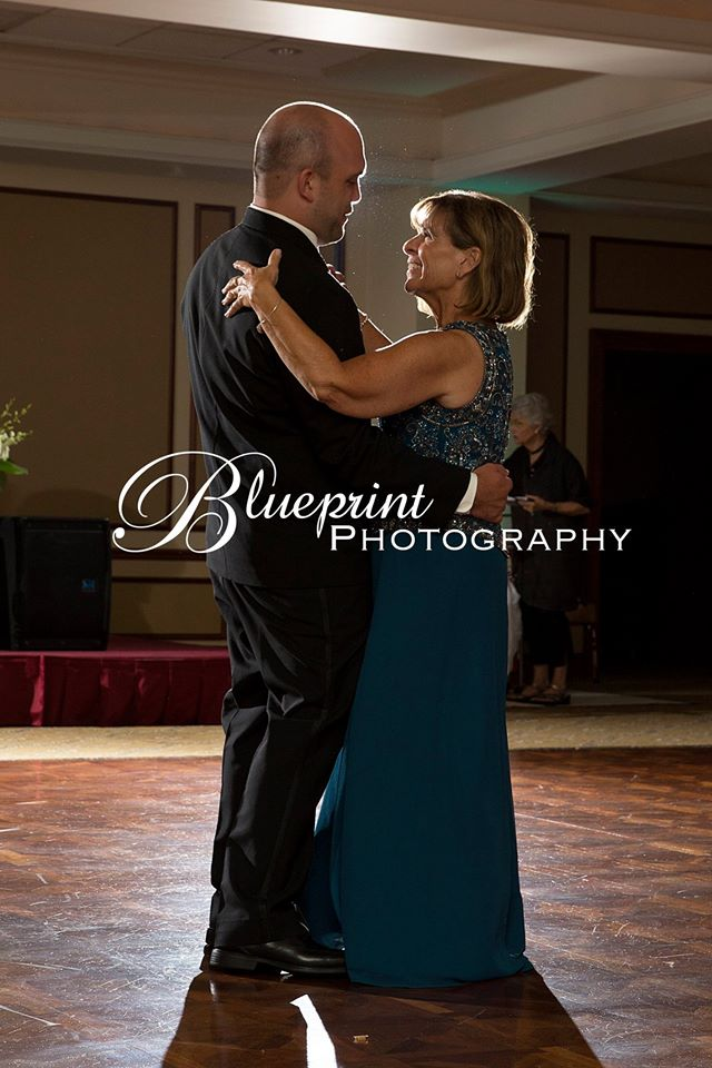 Blueprint Radner Valley son and mother dance