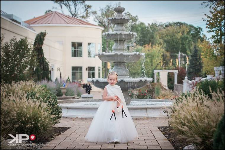 kelly-phillips-erica-austin-flowergirl-waterfall