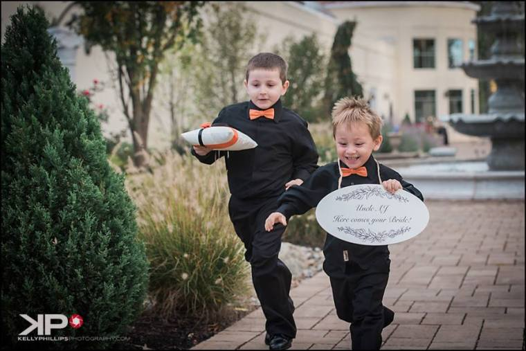 kelly-phillips-erica-austin-ring-bearers