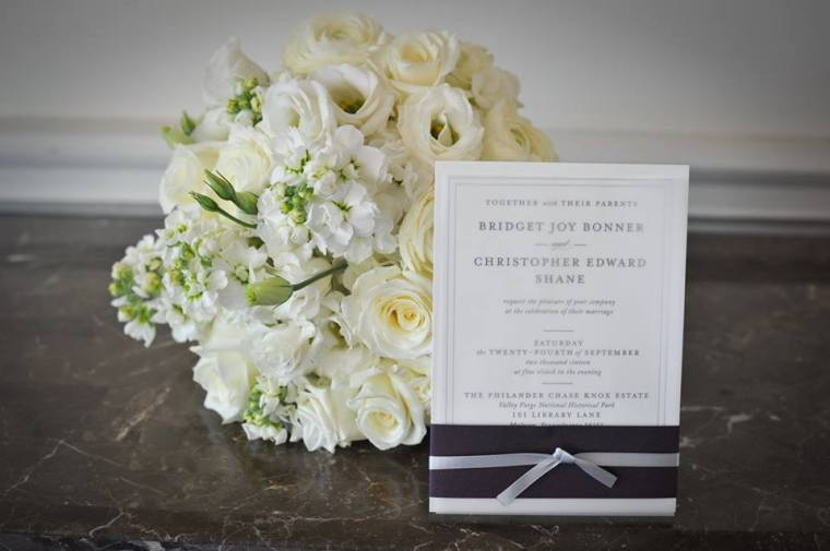 kerry-harrison-knox-bouquet-and-invitation