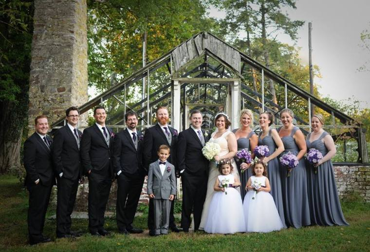 kerry-harrison-knox-bridal-party-green-house